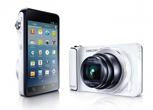 The internet connection is provided by built-in 3G, 4G and Wifi. Photos can be automatically backed up to photo sharing services.