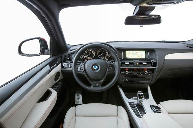 The interior of the 2015 BMW X4