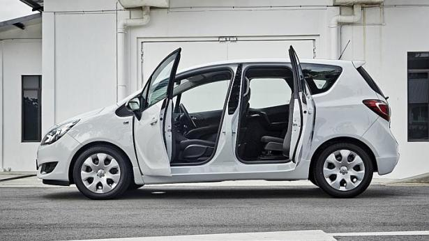 The Opel Meriva's wide-angled coach doors open up to 84 degrees at their widest. -- PHOTO: WINSTON CHUANG