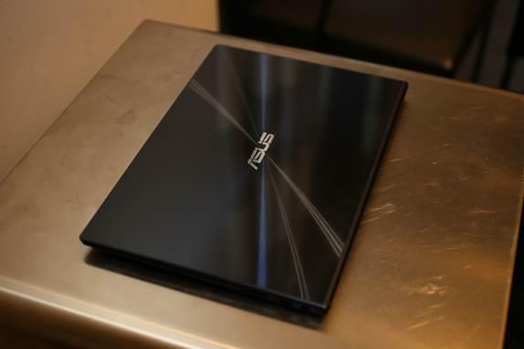 Description: ASUS Zenbook UX301