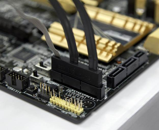 http://rog.asus.com/wp-content/uploads/2013/12/SATA-Express-connector-early-design-1.jpg