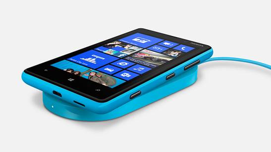 The Lumia 820 is a midrange phone, but Nokia has kitted it out with the same Snapdragon S4 used in its more expensive 920 and HTC's Windows Phone 8X.